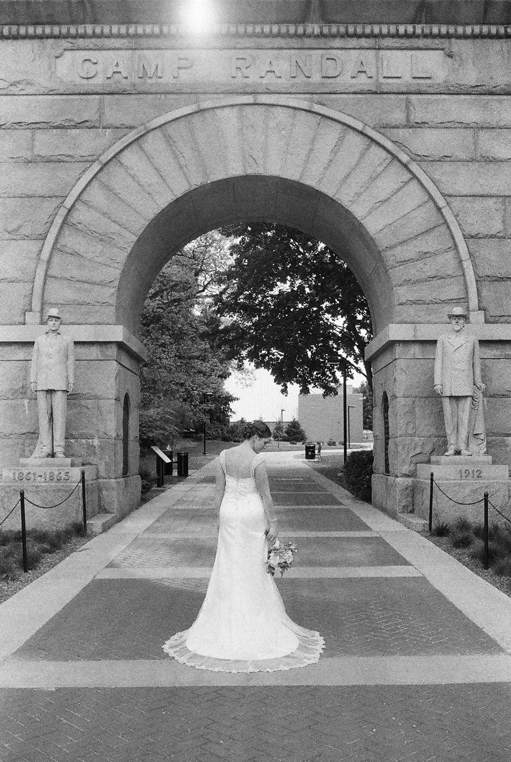 madison-wisconsin-wedding-photographers-023