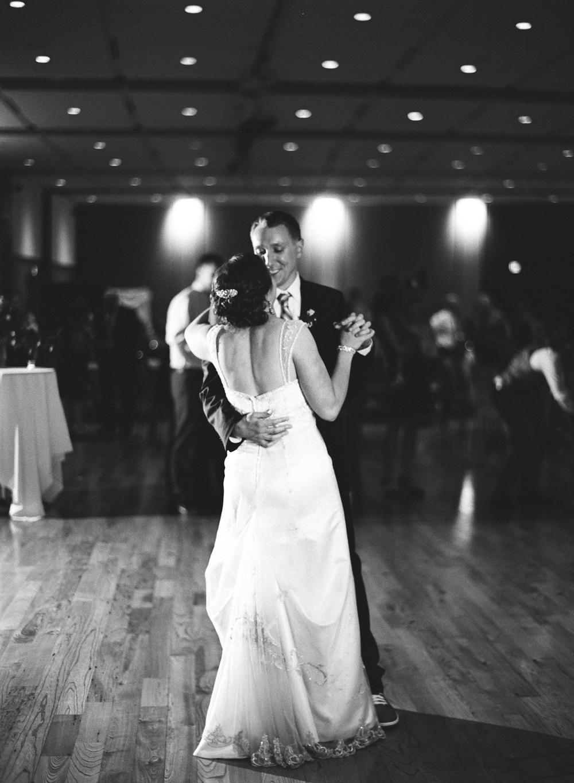 madison-wisconsin-wedding-photographers-035