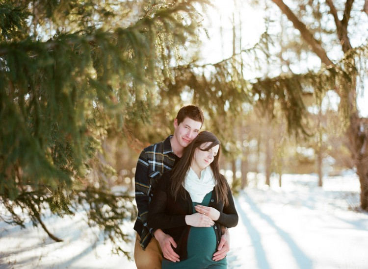 winter-maternity-photography-011