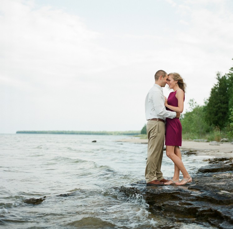 wisconsin-engagement-photographers-010