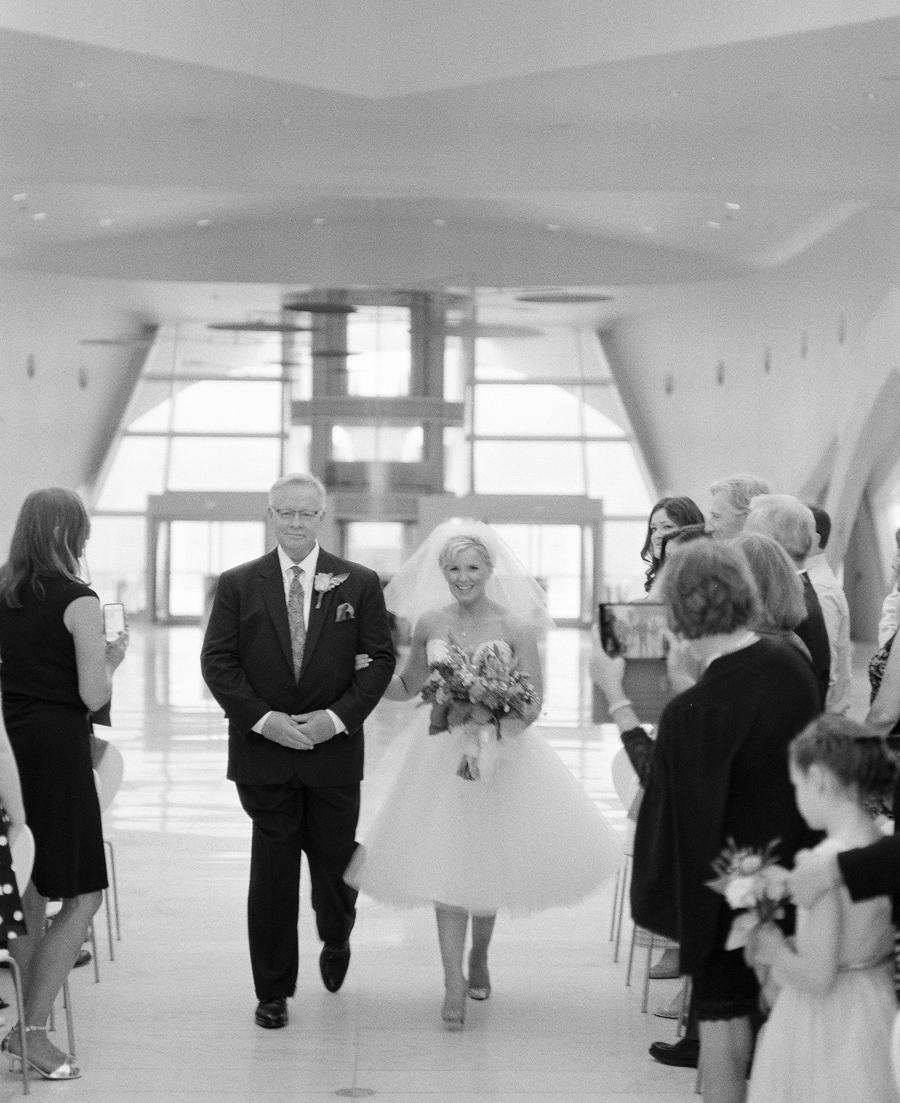 Milwaukee_Art_Museum_Wedding_035.jpg