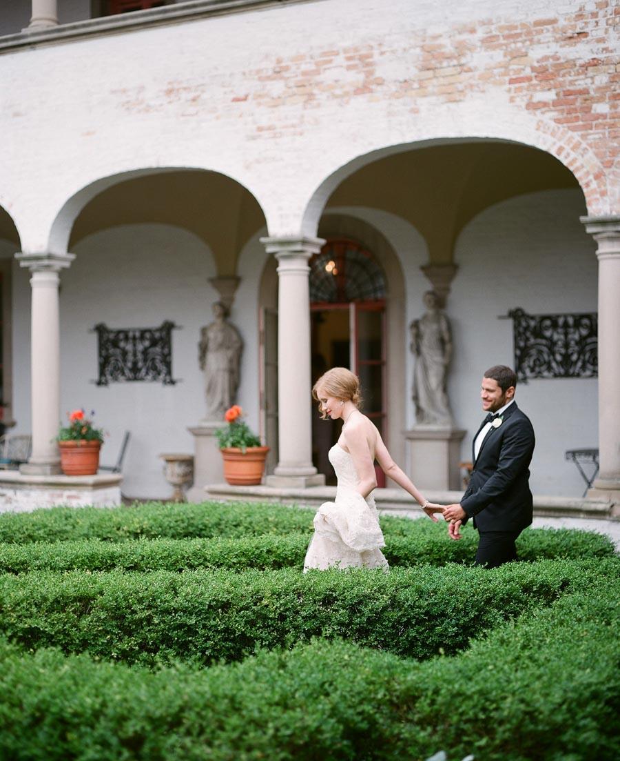 wedding portraits at Villa Terrace Milwaukee WI