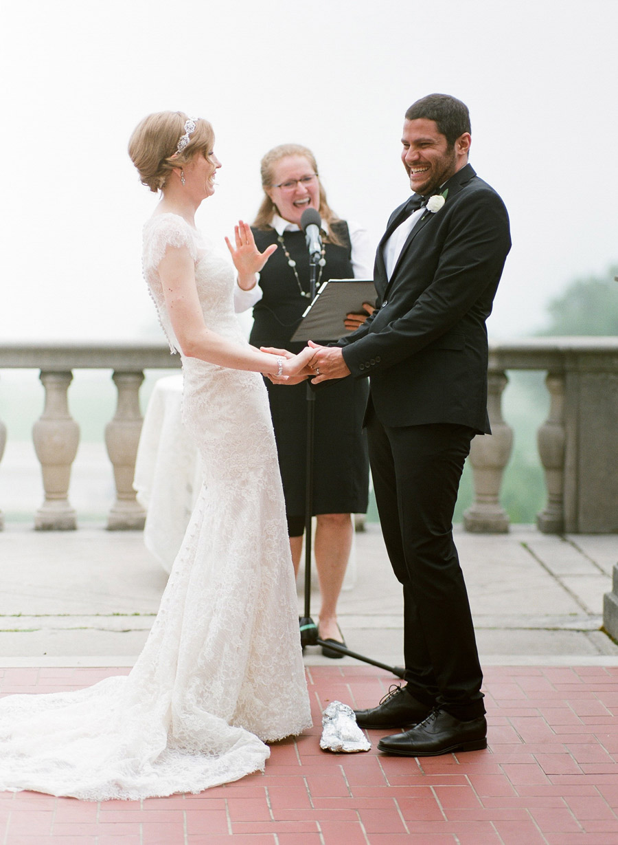 outdoor wedding ceremony at Villa Terrace Milwaukee wi