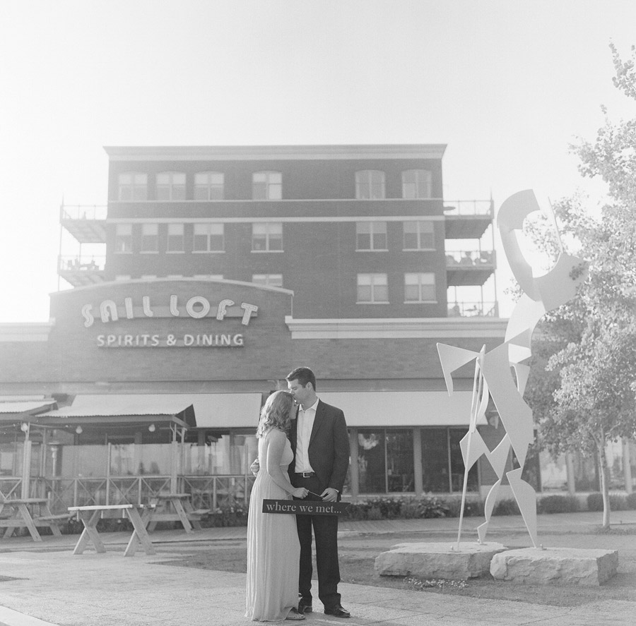 Milwaukee_Engagement_Photographer_012.jpg