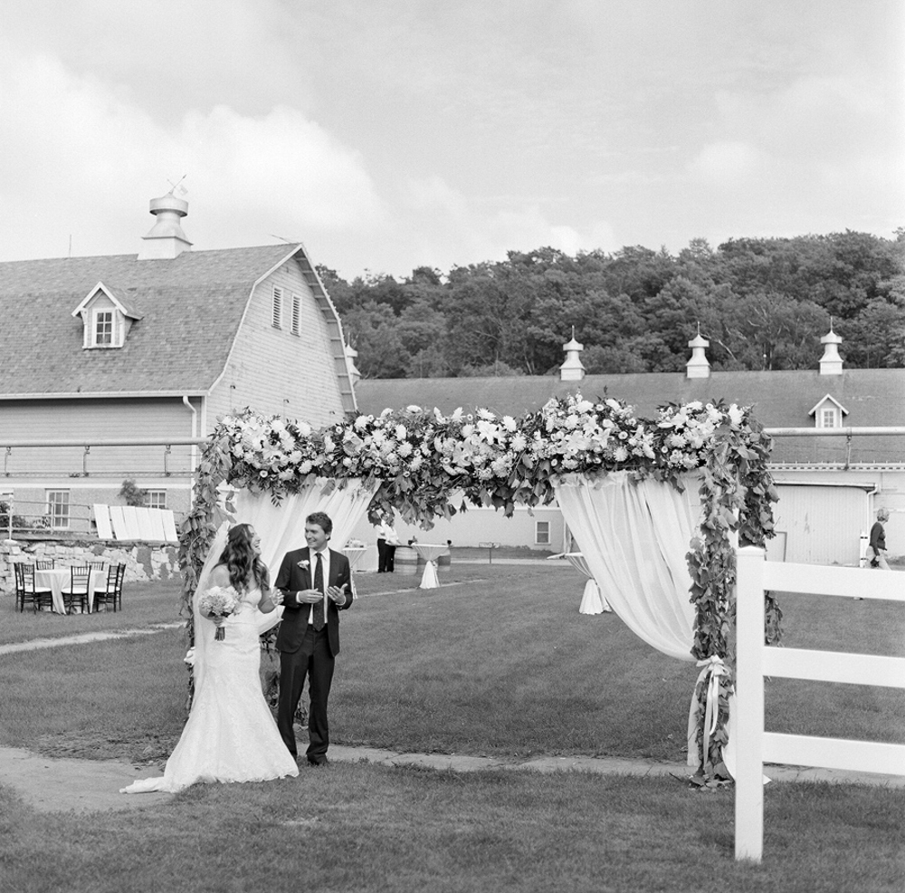 Horseshoe_Bay_Farms_Egg_Harbor_Wedding042.jpg
