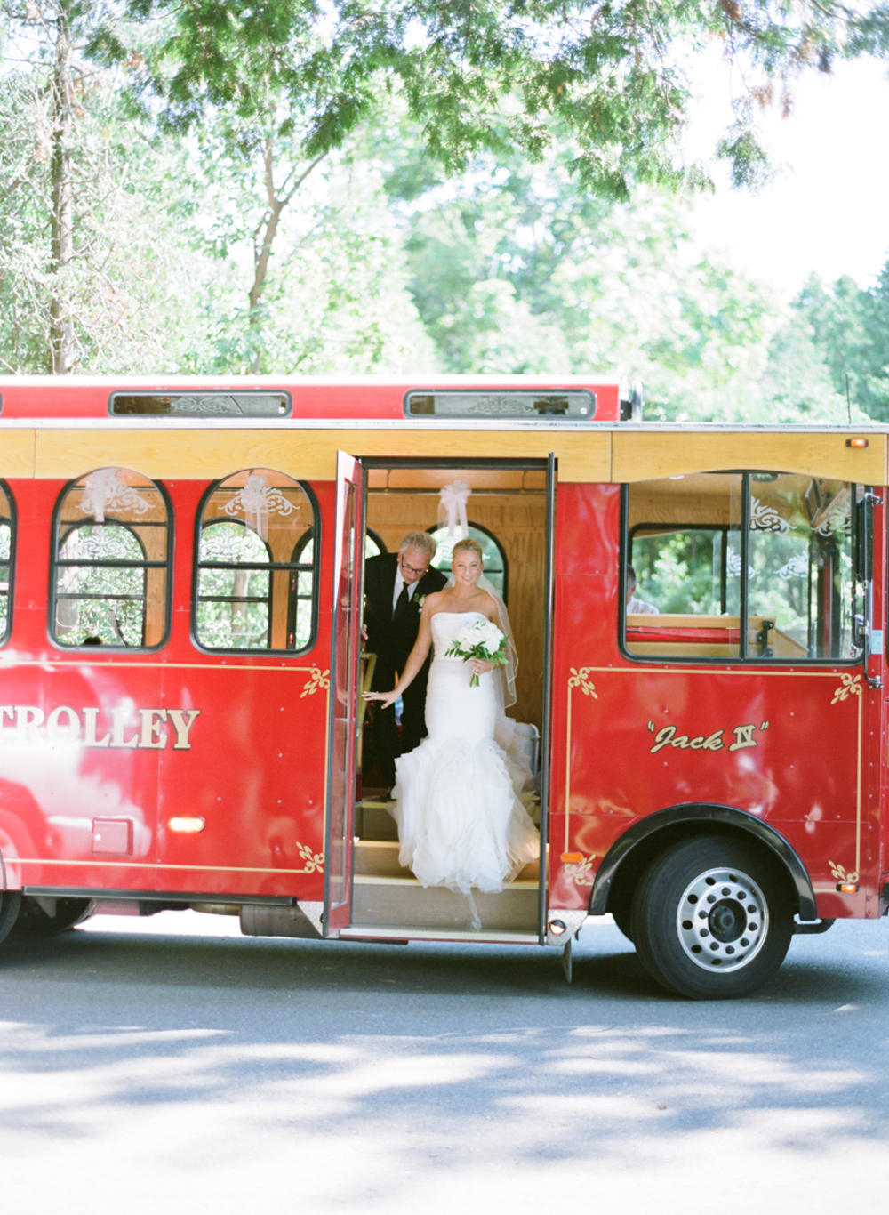 About_Thyme_Farm_Door_County_Wedding_012.jpg