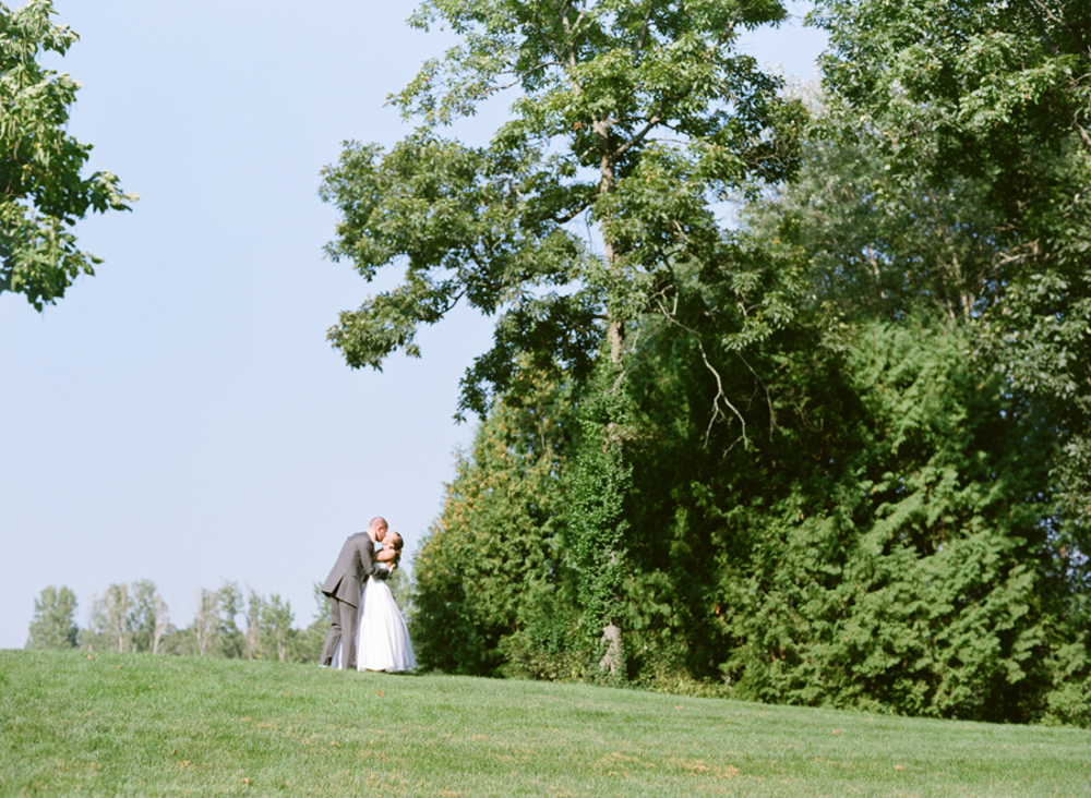 Madison_Wisconsin_Wedding_Photographers_23.jpg