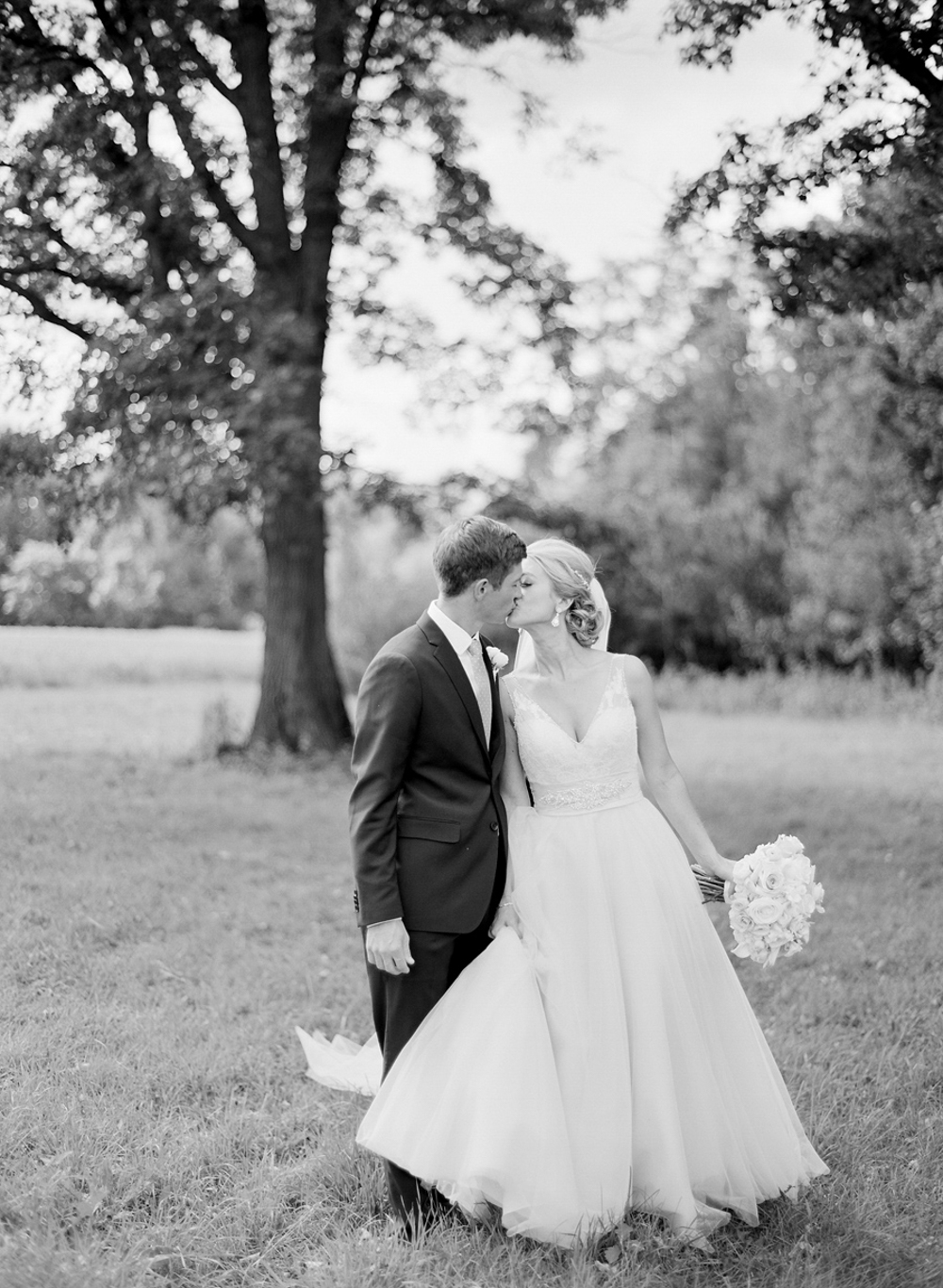 Troy_Burne_Golf_Club_Wedding_Photographer_18.jpg
