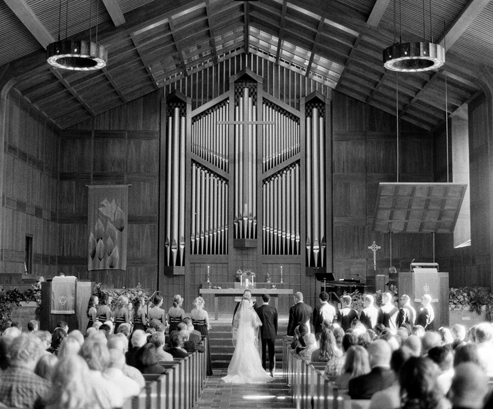 Neenah_Wedding_Photographer_009.jpg