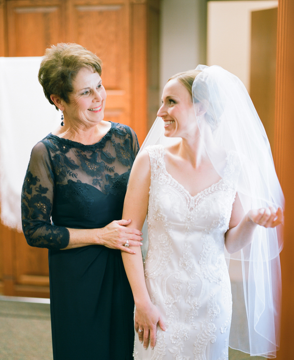 wausau_country_club_wedding_photographer_005.jpg