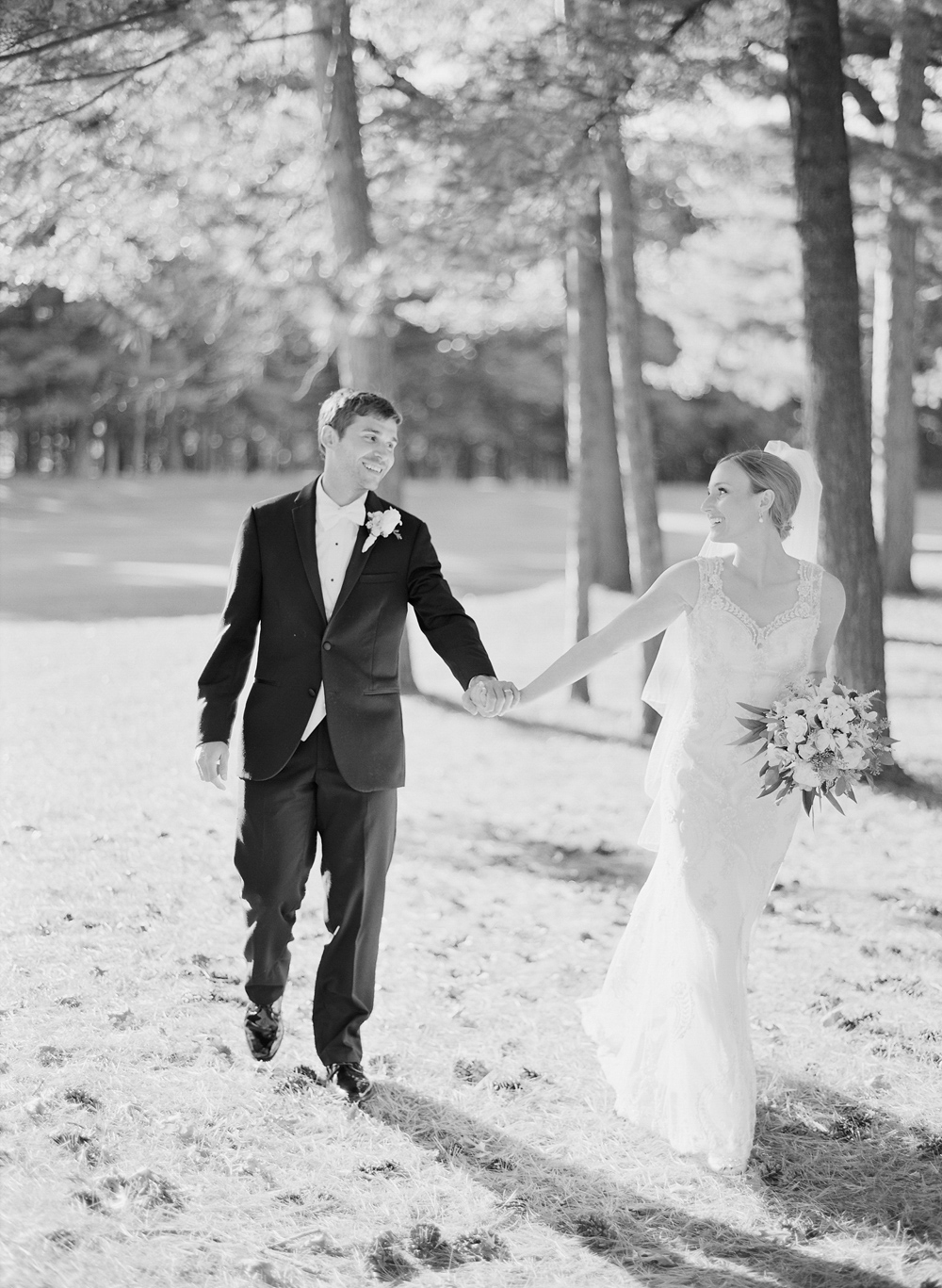 wausau_country_club_wedding_photographer_019.jpg