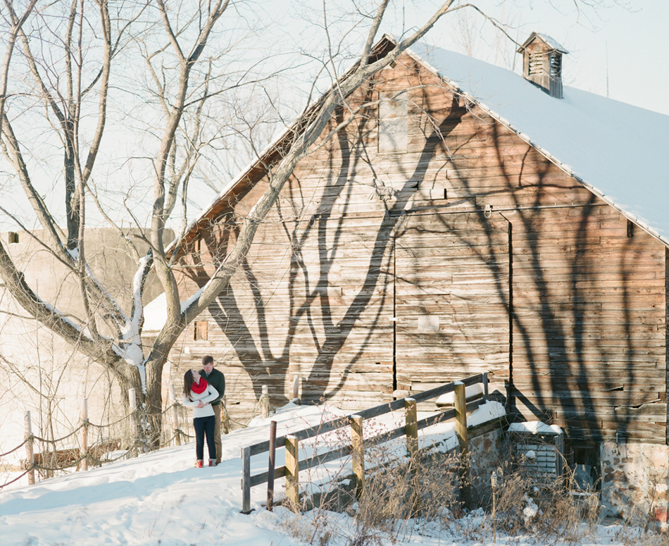 Wisconsin_Winter_Engagement_Wausau_Photographer_006.jpg