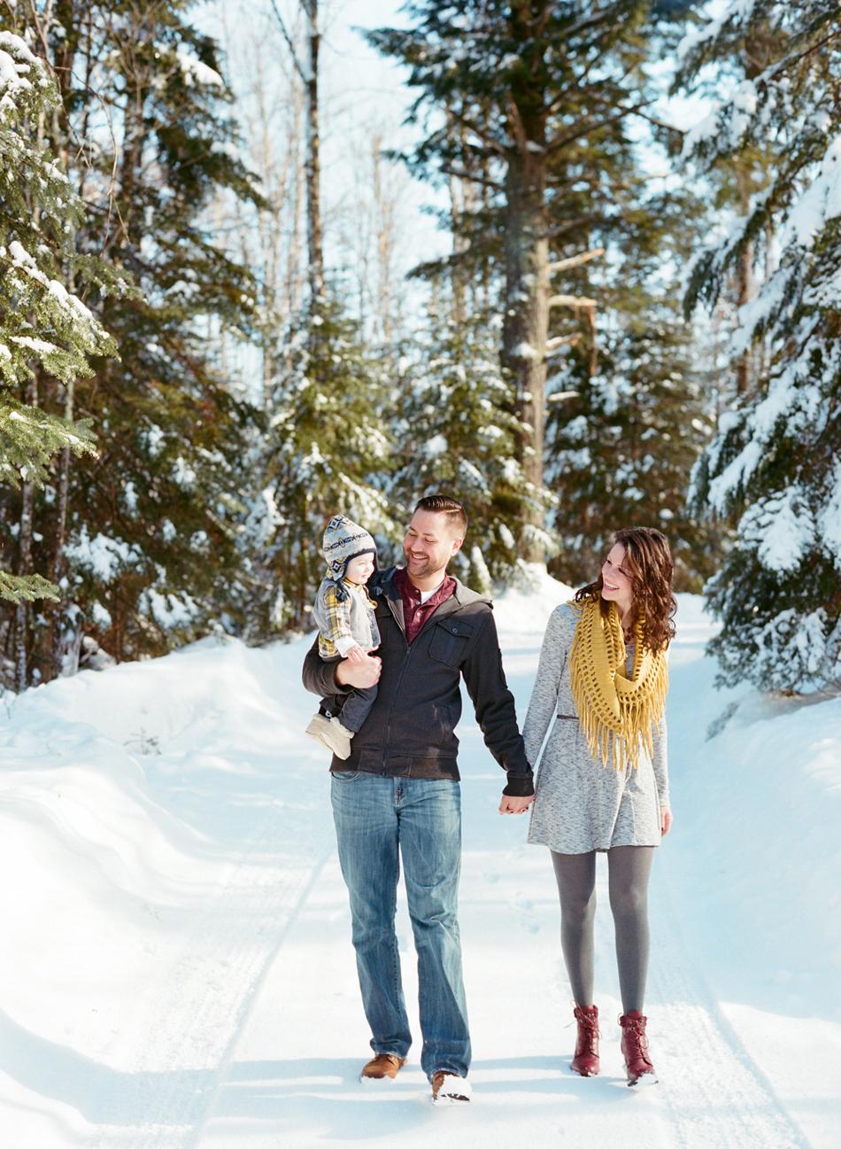 Winter_Family_Photography_Wisconsin_002.jpg