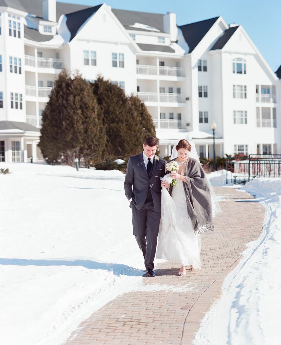 Elkhart_Lake_Wedding_Photographer_027.jpg