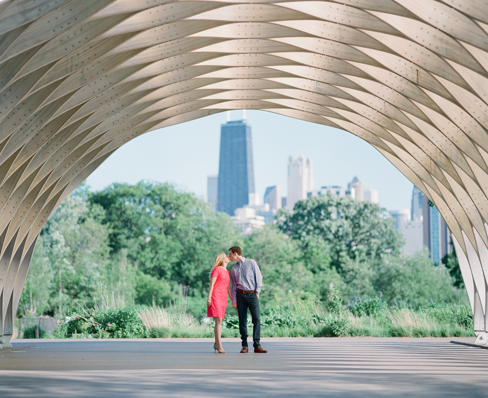 Chicago_Engagement_Photography_Lincoln_Park_014.jpg