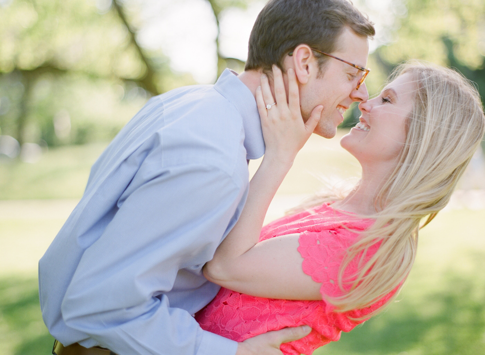 Chicago_Engagement_Photography_Lincoln_Park_020.jpg