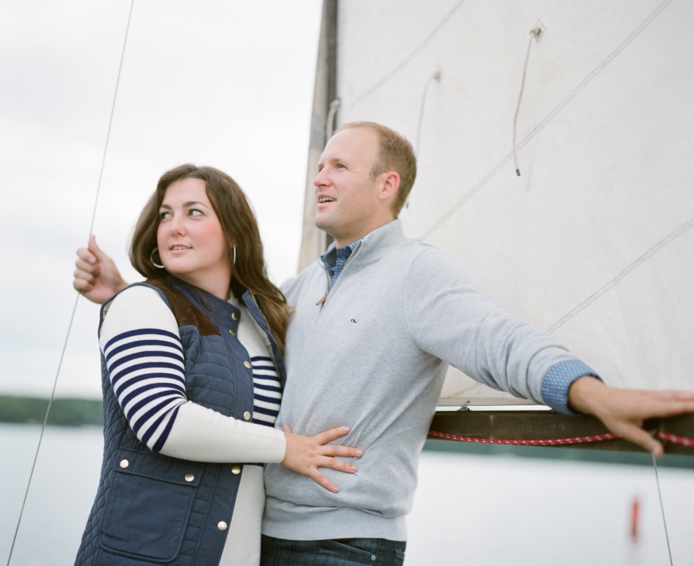 door_county_sailboat_engagement_photos_009.jpg