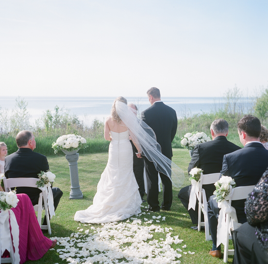 horseshoe bay beach club wedding ceremony