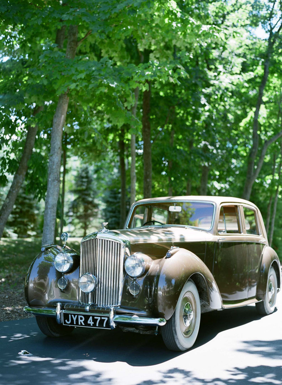 bentley bride and groom transportation