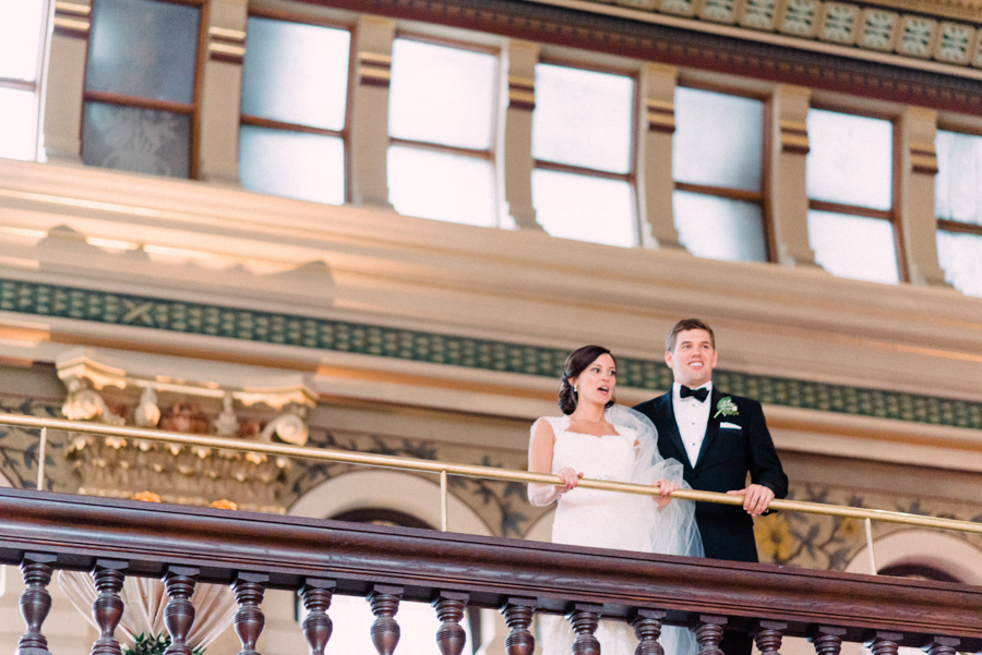 047-grain-exchange-milwaukee-wedding.jpg