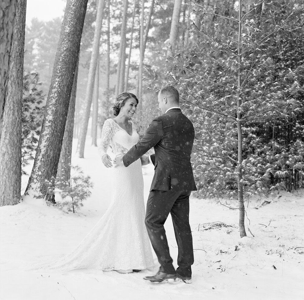 winter wedding portraits in wisconsin