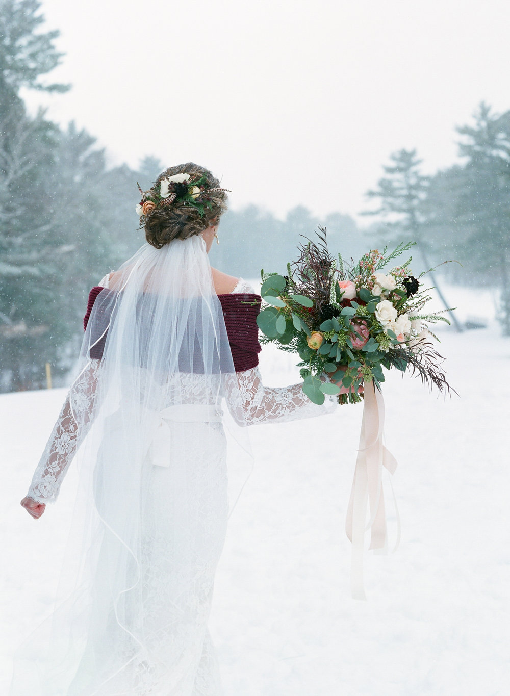 winter bride burgundy bouquet and shawl