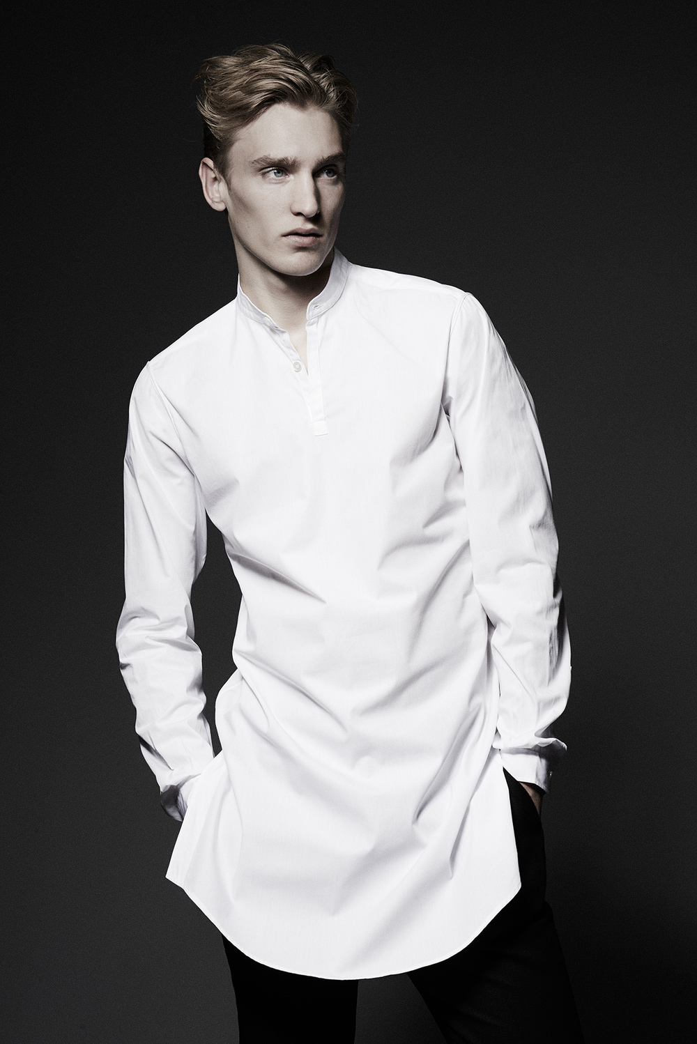 CONTEMPORARY LONG SHIRT  Colours: White  100% Cotton  Made In Italy