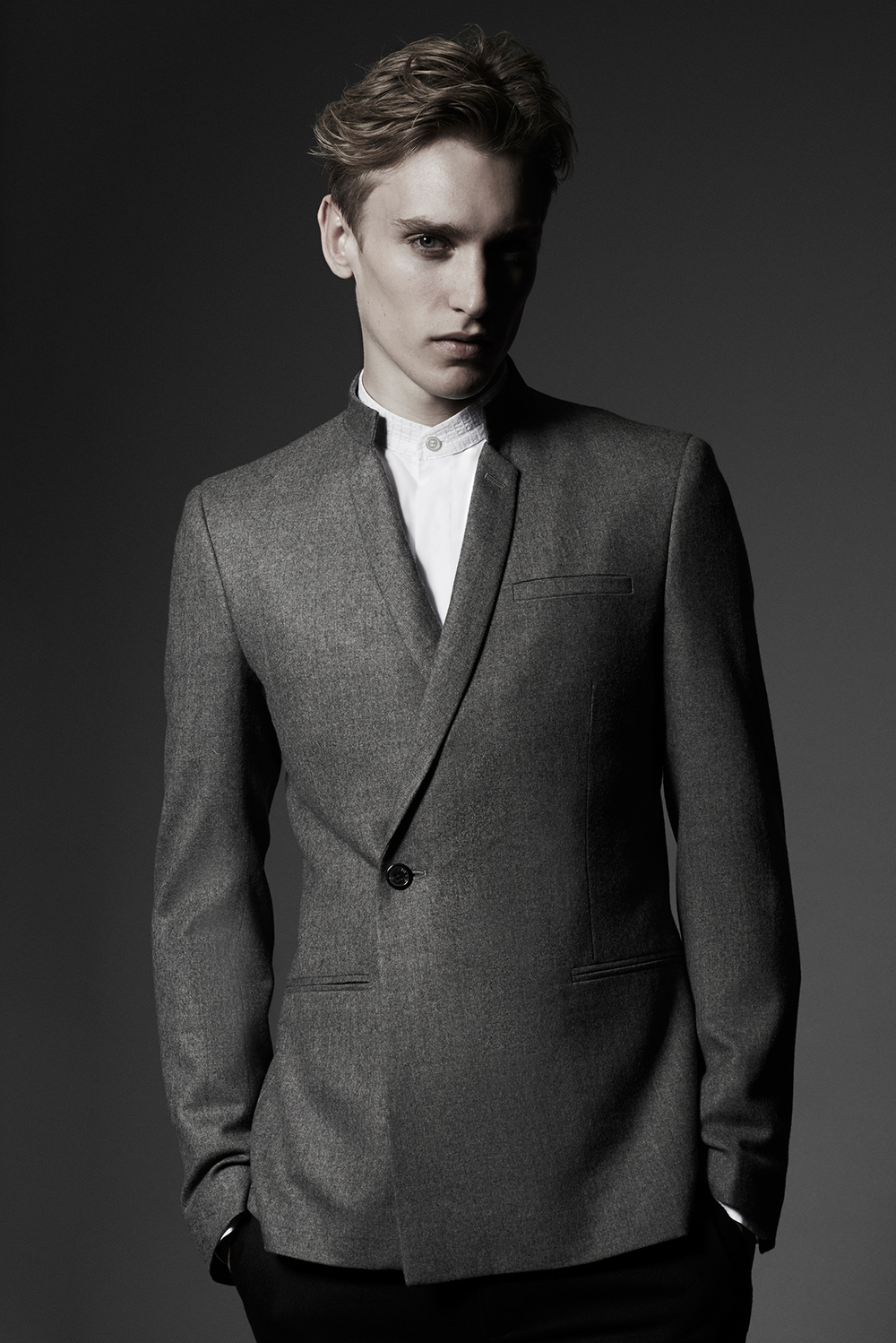 CONTEMPORARY JACKET DOUBLE BREASTED Colours: Grey 100% Wool Made In England  BOMBAY SHIRT WITH EMBROIDERED COLLAR Colours: White 100% Cotton Made In Italy