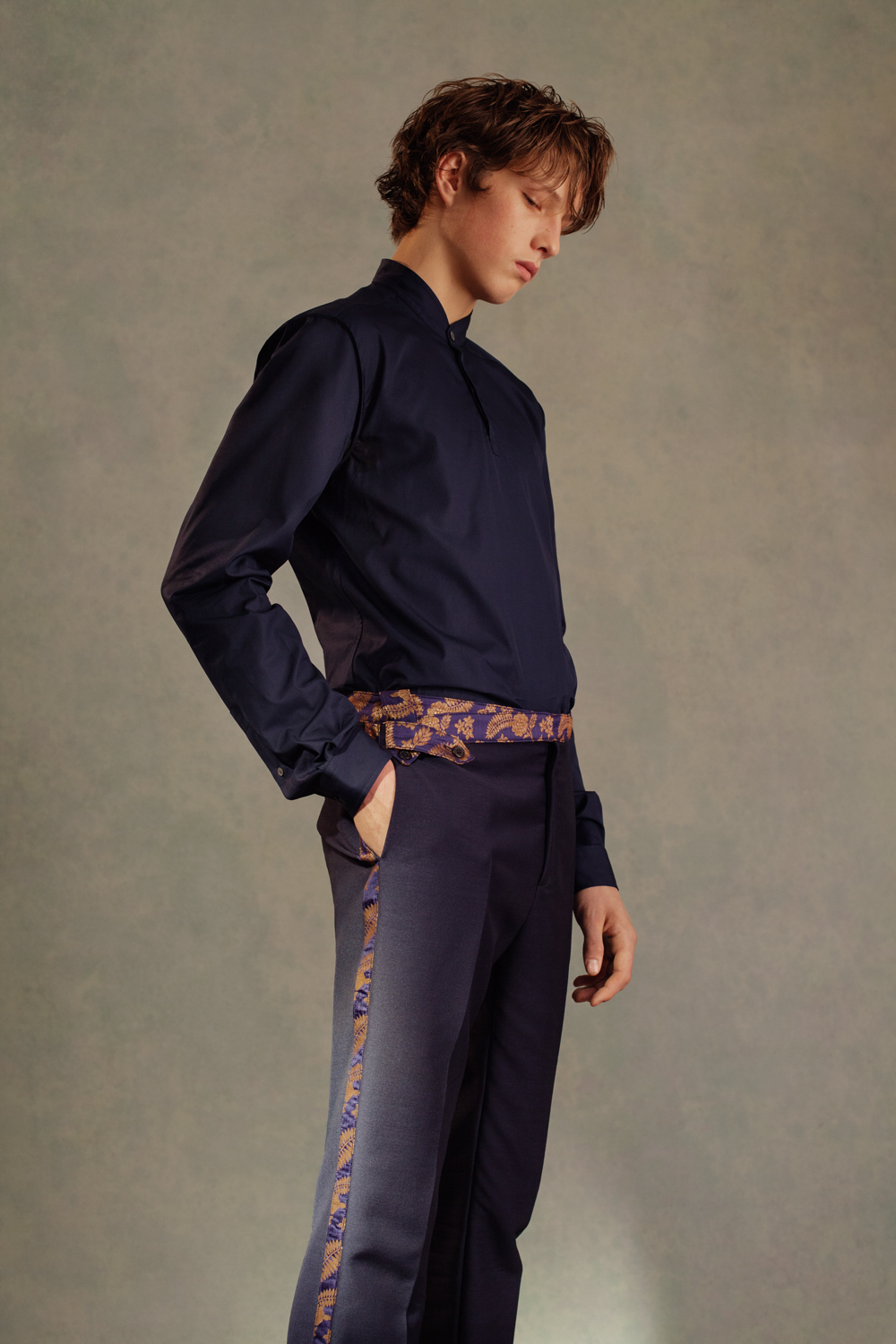CONTEMPORARY SHIRT SHORT SARI TUXEDO TROUSERS