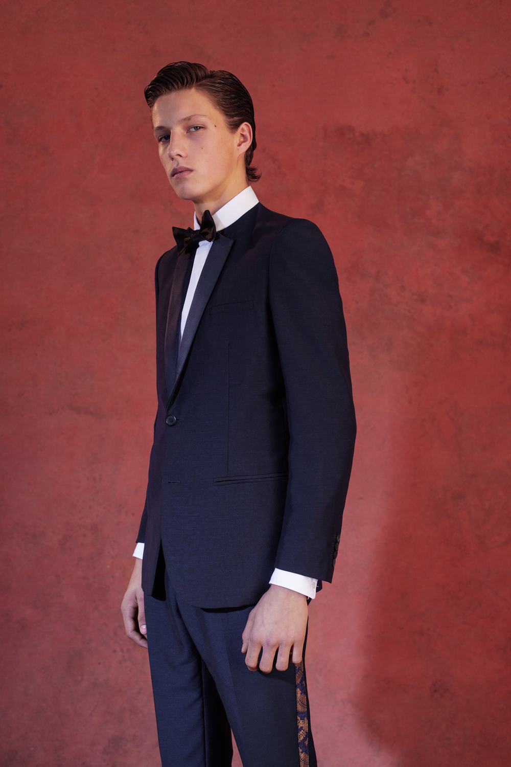 NO COLLAR TUXEDO WITH SARI CLASSIC SHIRT