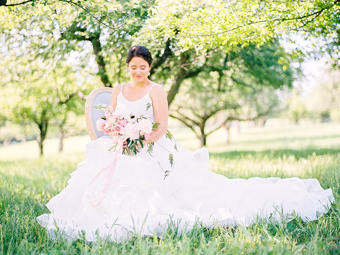 bride and blush bouquet