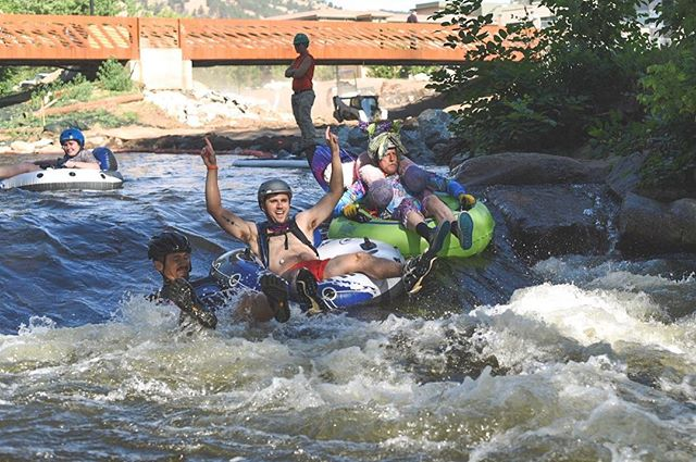 One of the many reasons we love this city! #tubetoworkday