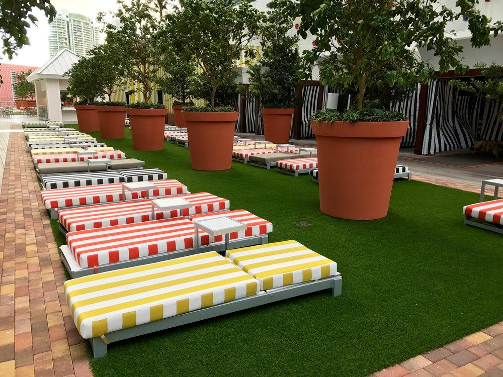 Sun Chairs | Cabanas | Lounge/Bar