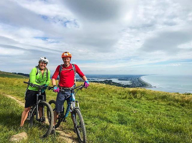 Morning mountain bike mission with these two!  #colourpop #sytamagazine #mountainbiketime #anaconda