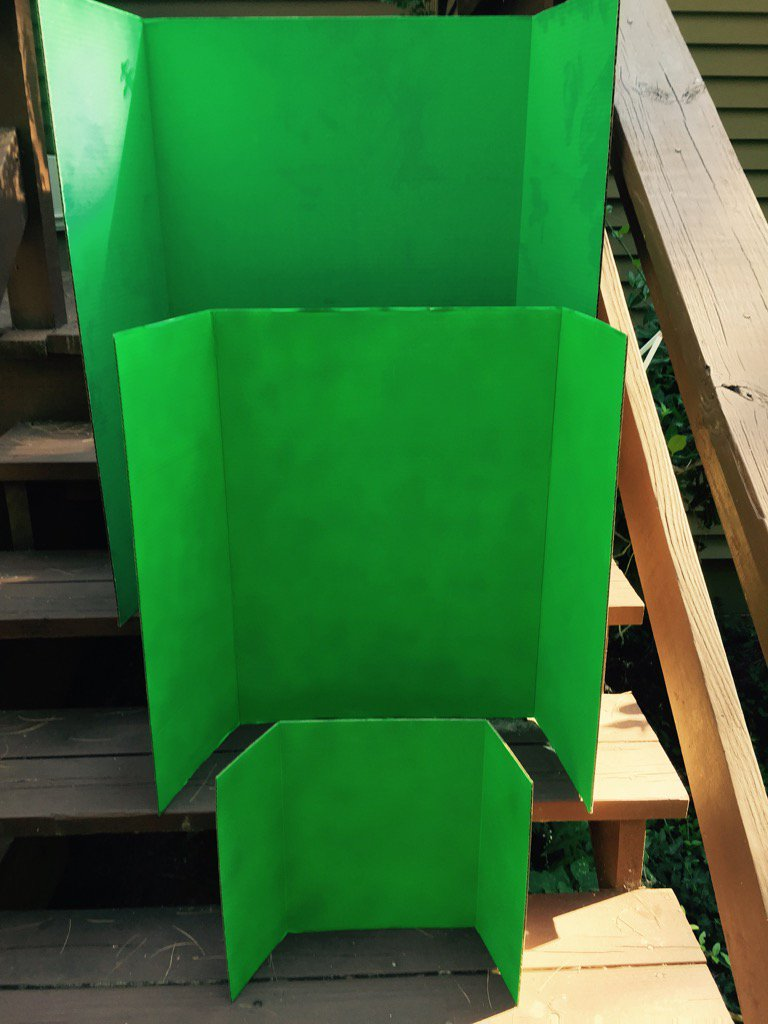 Trifold Display Boards are self standing, fold up, 3 sizes. Some even pre-painted green.