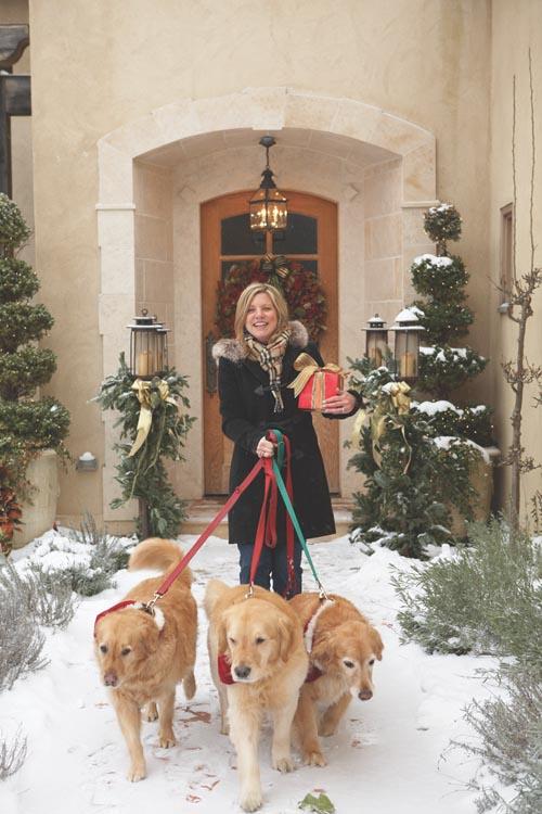 作為一名新英格蘭的室內設計師和花草園藝店老闆,Cindy Rinfret決定用傳統的方式來打理自己的聖誕家居裝飾,但同時又要為家人們創造一點新驚喜。