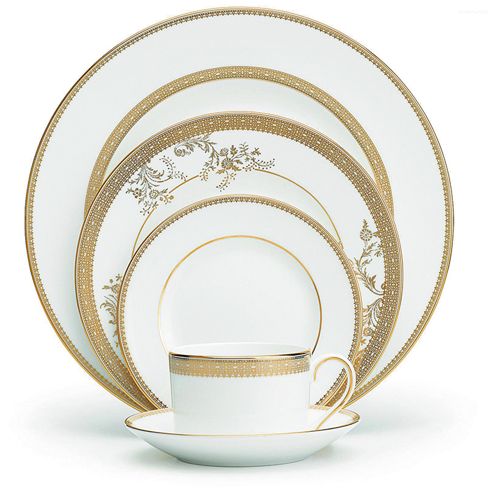 Wedgwood Vera Wang Lace Gold, 5 Pc. Place Setting  金色花卉紋樣五件套餐具  $165  atkinsonsofvancouver.com  604 736 3378