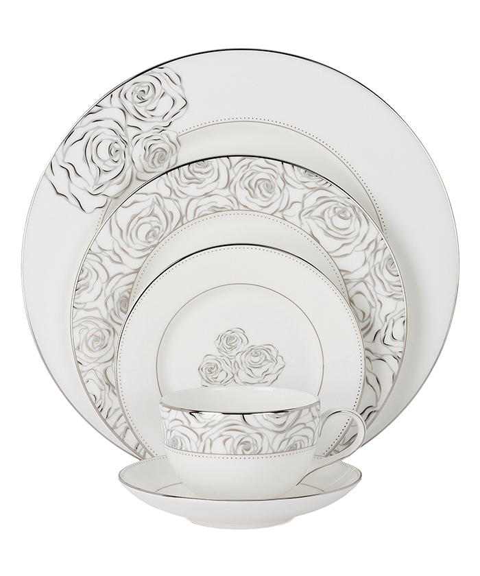 Waterford Monique Lhuillier Sunday Rose, 5 Pc. Place Setting  銀色玫瑰紋樣五件套餐具  $160  atkinsonsofvancouver.com  604 736 3378