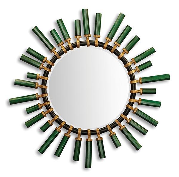 克里斯托弗.蓋石英化妝鏡 $3,024 放射形的花型,和典雅的白色基調,讓魅力徹底釋放。不對稱外延巧妙營造了空間感。 At Jordans,jordans.ca 604 733 1174