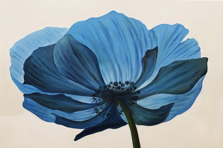 Moe's Blue Wall Décor, $347.50 嬌嫩的花瓣在陽光的映照下,呈現出玲瓏剔透的質感。獨特的光線和視角,帶來如水波般的寧靜安然。 At Moe's Home Collection, 604 688 0699 moeshome.ca