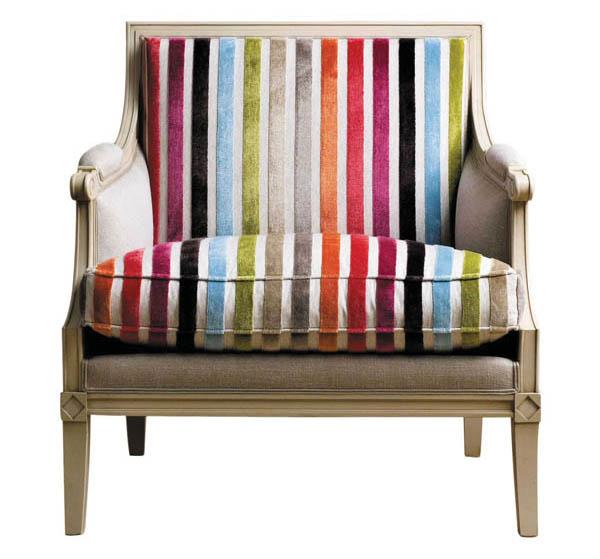羅奇堡椅子 $4,665 清新柔和的櫸木框架,承托著彩色條紋的靠背和坐墊,古典造型配合現代的色彩,自由融入任何風格的家居空間。 At Roche Bobois, roche-bobois.com, 604 633 5005