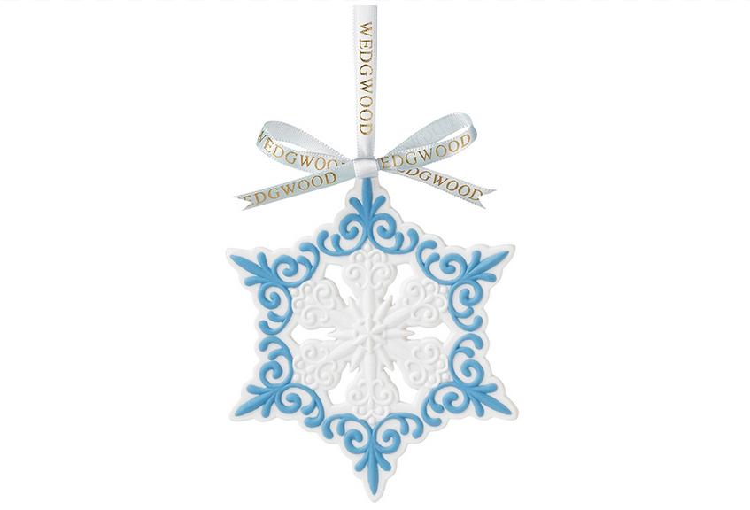Wedgwood Pierced Snowflake Ornament  瓷質雪花裝飾掛件  $29.99  bedbathandbeyond.ca  604 904 1118