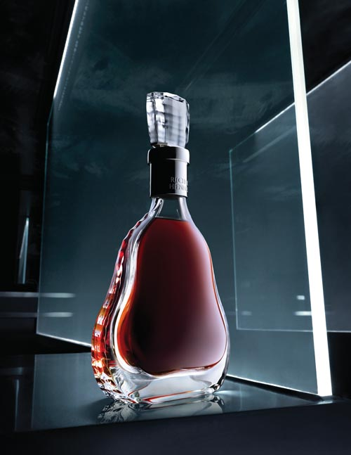一名愛爾蘭人以自己的名字於1765年創立了軒尼詩品牌。圖為一瓶軒尼詩干邑。
