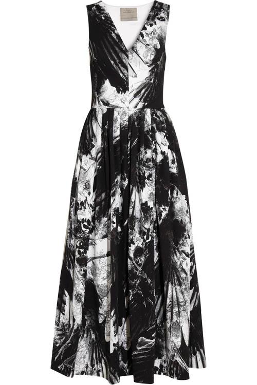這條來自倫敦品牌Preen的長裙,在Francesca眼中是簡潔有力的代名詞。
