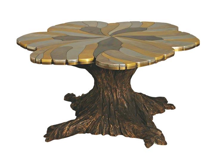 Francesca將這張她為MurielBrandolini設計的桌子稱為「獨一無二的蝴蝶桌」,使用銀和鍍金銅板製成。