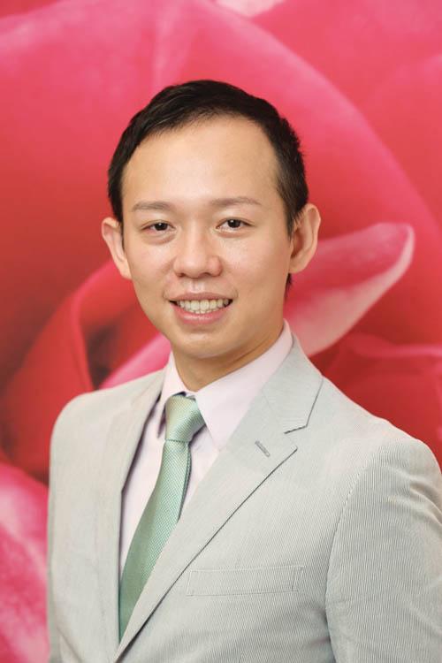 國際知名化妝大師Harvey Tsao。