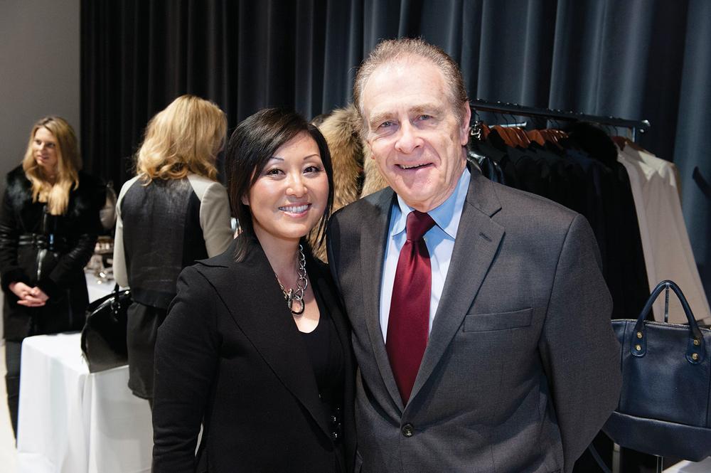 與多倫多市副市長範.凱利一起。