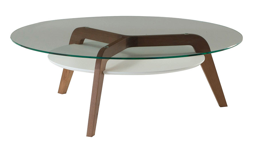 Roche Bobois Flying Glass Cocktail Table ,  $2,695   鋼化玻璃桌面安穩地放置在自然滑落的橡木桌腿上,雙層的桌面實用中,又帶來些許的時尚感。    At Roche Bobois, 604 633 5005       roche-bobois   .com