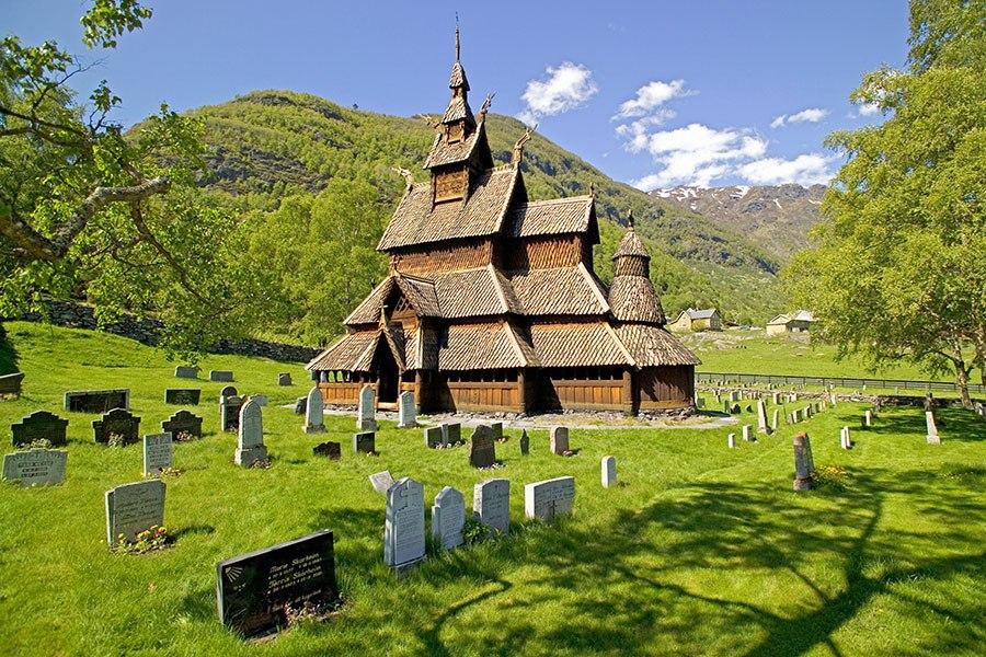 波尔昆木板教堂 - 位于 挪威 伯尔古恩德,建于十二世纪