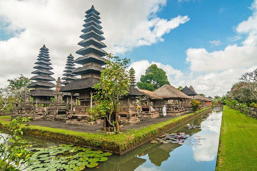 塔曼阿雲寺 - 位於印尼巴厘島,建於1634年